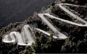 Carretera en zig-zag