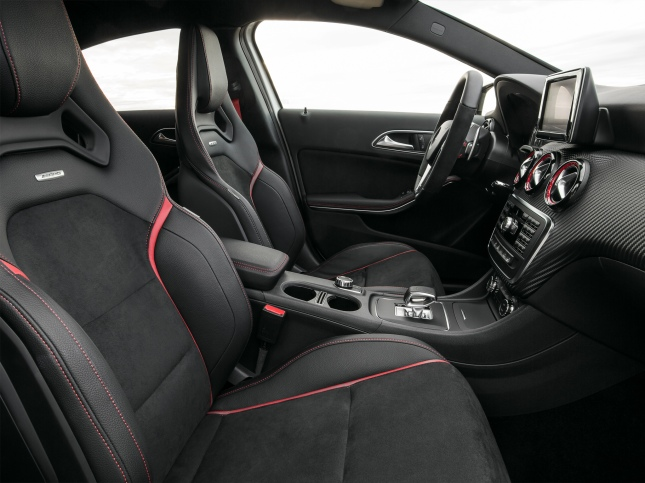 Interior Mercedes-Benz A45 AMG